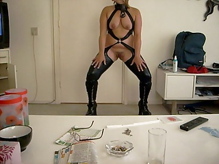 Dancing front open pussy for XXL Dicks