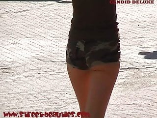 Awesome teen ass in shorts filmed by voyeur cam