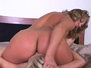 Hot blond girl makes her pussy creamy