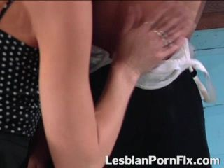 Mature lesbo seduces younger one